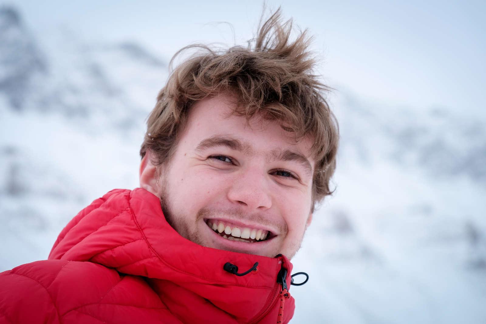 Magnus (20) rømte fra korona til Svalbard: – Det virket som en sykt heftig plass å bo